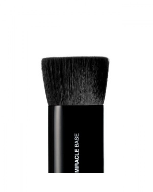 Mii Cosmetics Miracle Base Brush